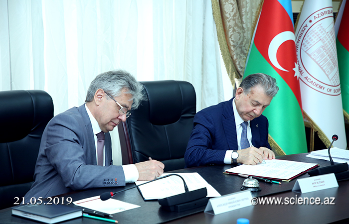 AMEA ilə Rusiya Elmlər Akademiyası arasında elmi-texniki əməkdaşlıq haqqında saziş imzalanıb