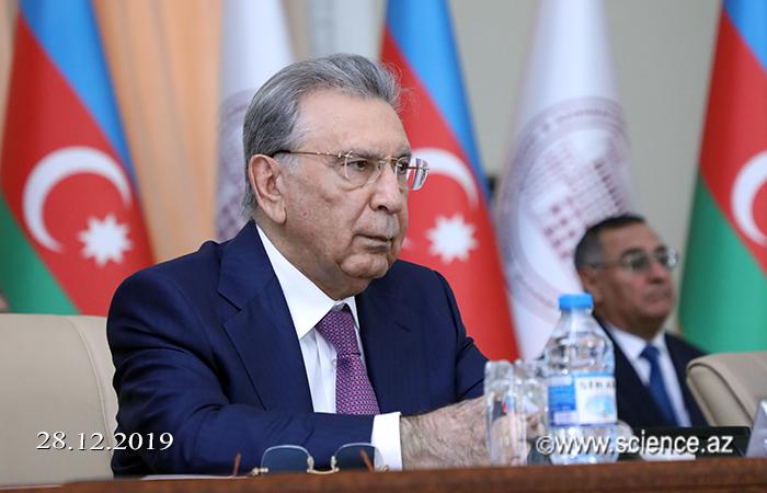 AMEA-nın Nizamnamə komissiyasının yeni tərkibi təsdiqlənib