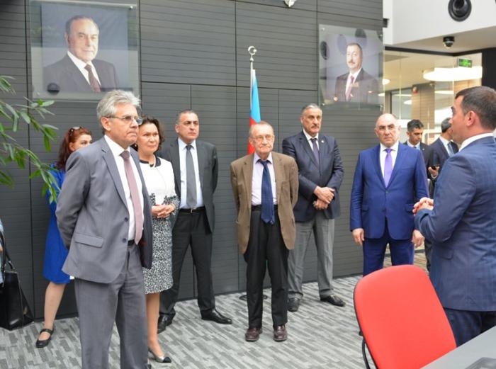 """Rusiya Elmlər Akademiyasının nümayəndələri """"Azərkosmos""""un fəaliyyəti ilə tanış olub"""