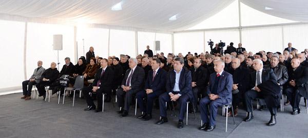 """Bakıda """"Kitabi-Dədə Qorqud"""" abidəsinin və yeni salınan Dədə Qorqud parkının açılışı olmuşdur."""
